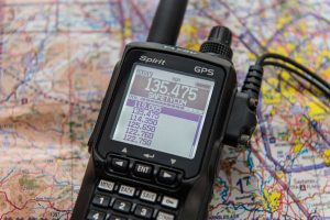 best handheld aviation radio.